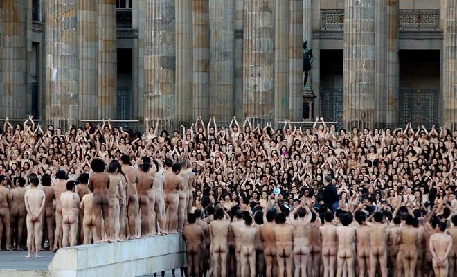 Spencer tunick naked people that would